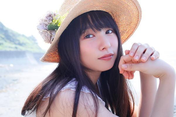 桜井日奈子さん 「写真集&カレンダー」