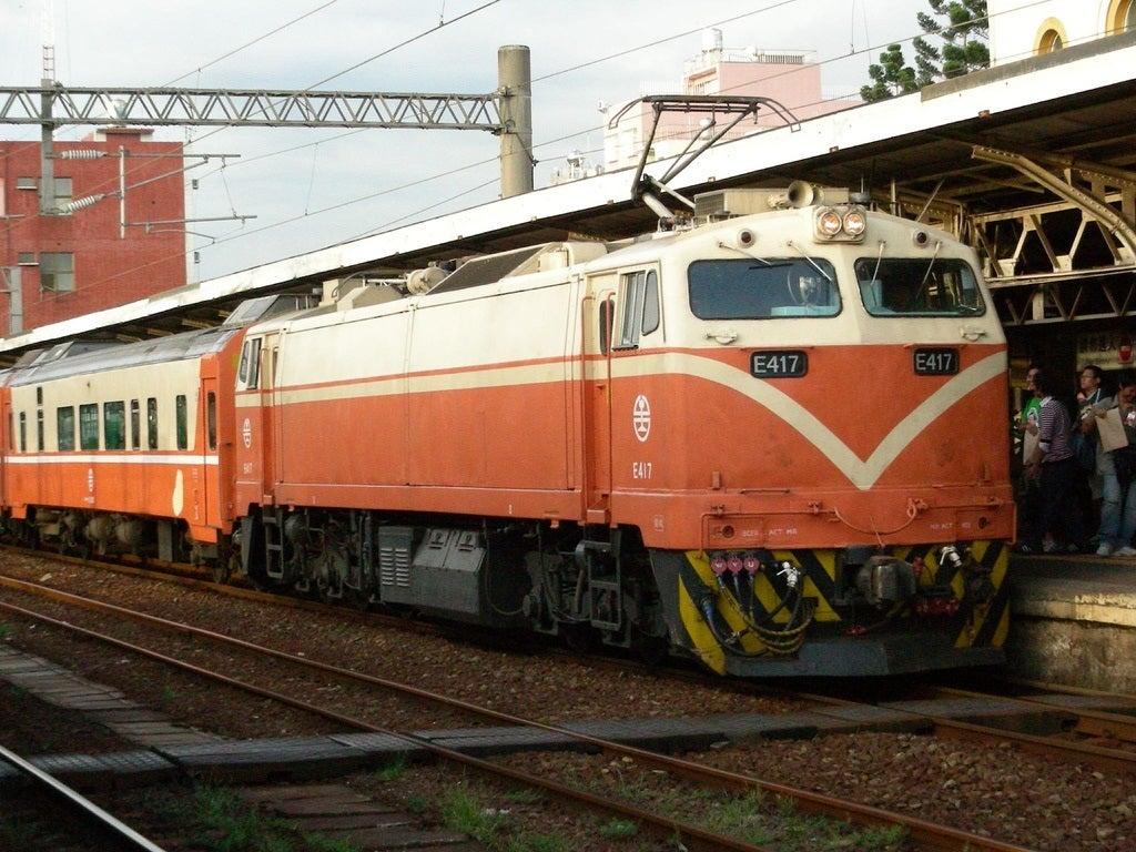 アンデス横断鉄道E-100形電気機関車 - JapaneseClass.jp