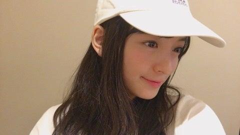 帽子をかぶった清井咲希