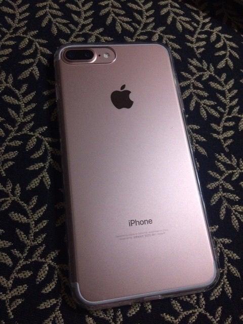 b2723086d9 {D39E1FA0-081D-414D-836F-4AABC2891C1A}. とうとうゲットしました、iPhone7Plus 128GB  ローズゴールド。