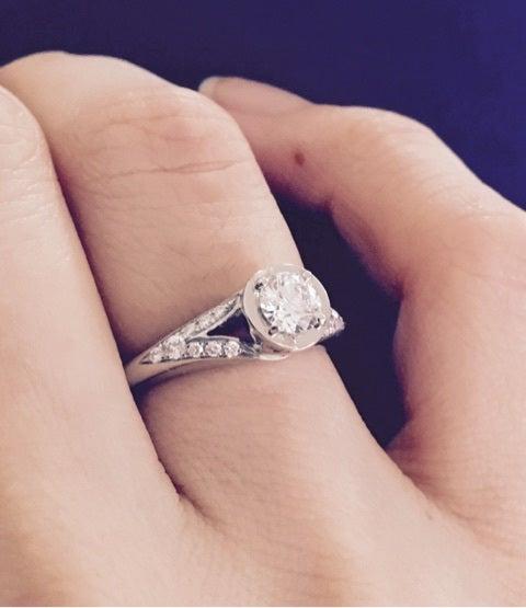 婚約指輪 ブルガリのインコント...