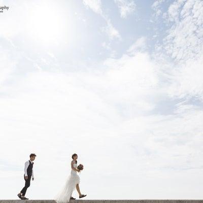 海でフォトウェディング【愛知県常滑市りんくうビーチ】オリジナルウェディングの記事に添付されている画像