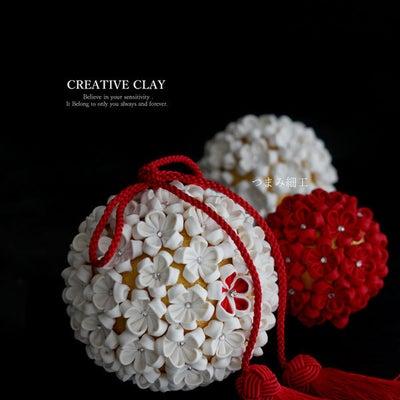 つまみ細工で作る和装用ボールブーケの記事に添付されている画像