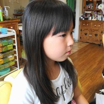 小学生の女の子のカット 龍ヶ崎市のヘアーサロンバーバーヤマナの記事に添付されている画像