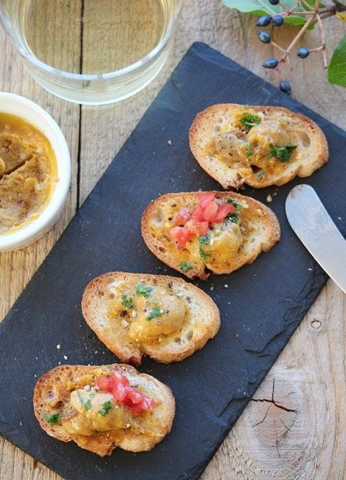 ワインに合う簡単料理レシピ ~ SUR LA TABLE ~ウニのブルスケッタ