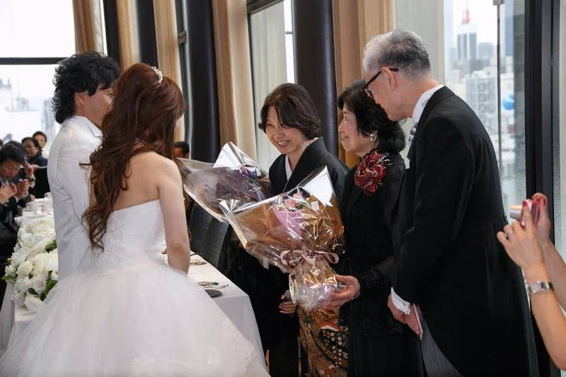 幸せな結婚式の花嫁