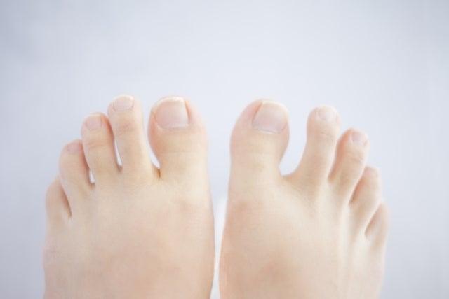 の 関節 黒ずみ 指 指関節黒ずみの原因は紫外線や擦れだけでなく病気の可能性も?