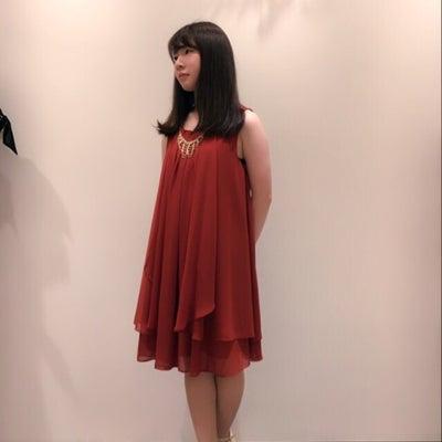 人気ドレスに新色登場!の記事に添付されている画像