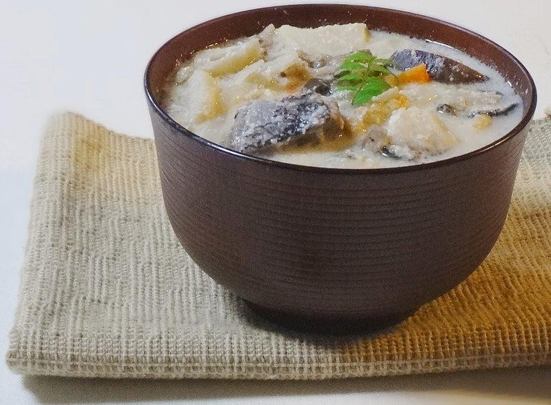 鰤・牡蠣と茄子ぬか漬けの粕汁