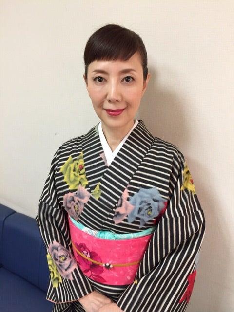 洋服が素敵な戸田恵子さん