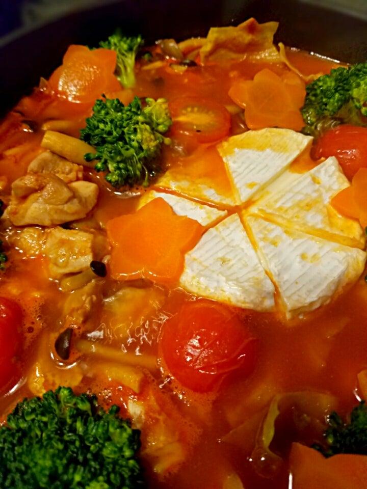 トマト カマンベール チーズ 鍋