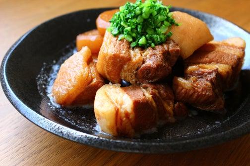 豚肉と大根の黒糖角煮01