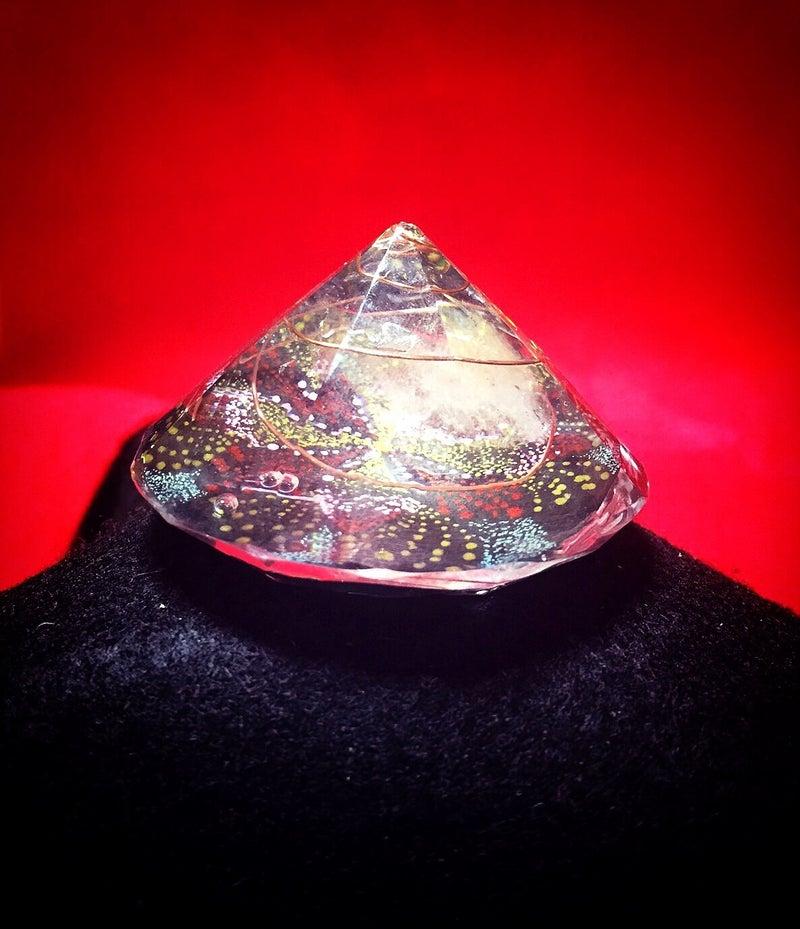 曼荼羅点描画inオルゴナイト(ダイヤモンド型)