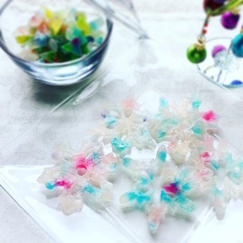 雪の結晶の琥珀糖