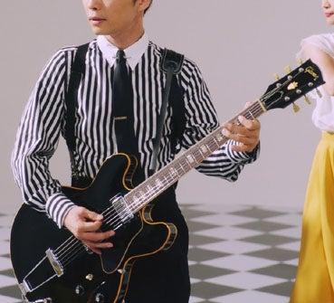 ギター持ってて\u2026