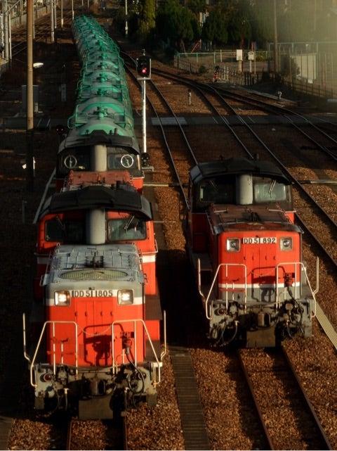 12 10 dd51原色先頭の5263レを塩浜で myonの鉄道撮影記録