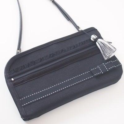「バッグが増えたという感覚はなく、外付けポケットのような感じ」お財布ショルダーごの記事に添付されている画像