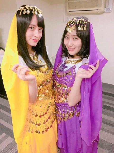 民族衣装を着た清井咲希