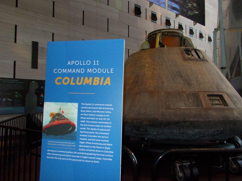 スミソニアン国立航空宇宙博物館 史上初月面着陸したアポロ11号の物語
