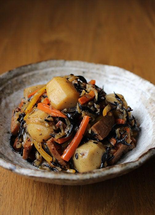 ひじきと根菜の煮物03