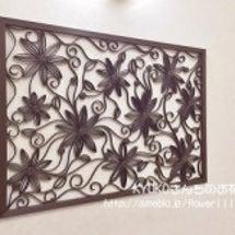 透かし模様の壁飾り
