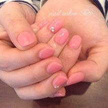 ピンクのワンカラーネ…