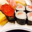 隣のお寿司は美味しそ…