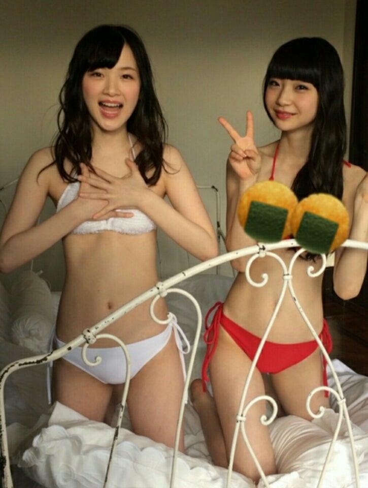 荻野由佳さんのビキニ