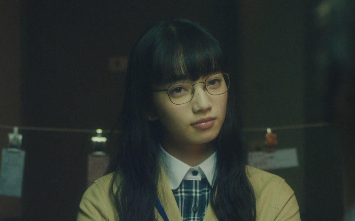 このメガネっ娘ヤバイ。NHKのドラマ「スリル 赤の章」ヒロイン小松菜奈。シナリオがイイ上に演出もグッド。