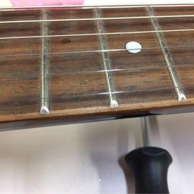そのギター、再塗装品ですよ。の記事に添付されている画像