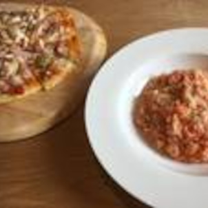 リゾット&ピザの画像