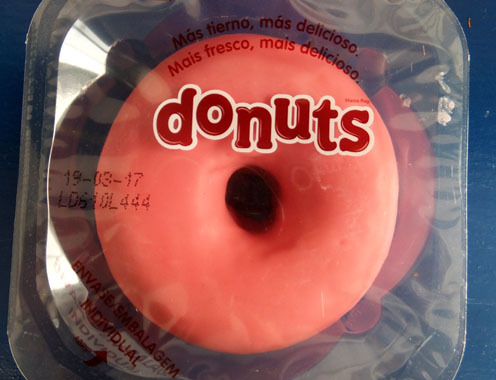 2017-donuts-pink-2