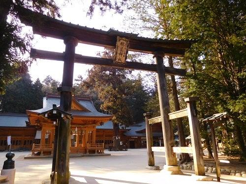 神社の春と空7