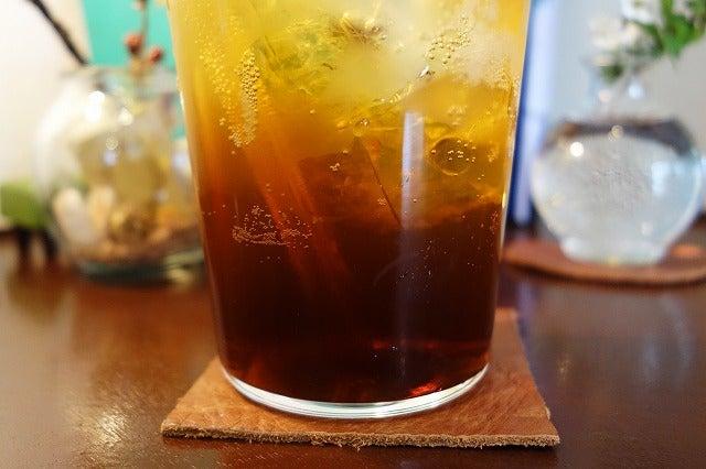 グラスの底に濃い~紅茶フレーバーが沈んでいます