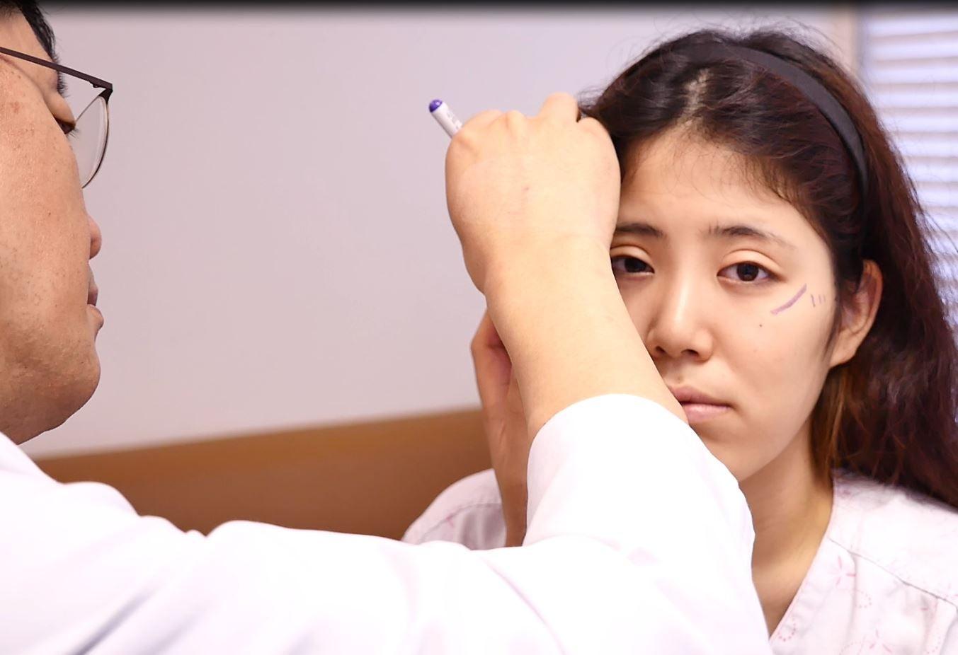 韓国美容整形名医