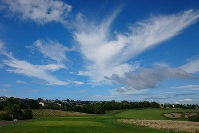 ガルフハーバー 10番ホールと青い空