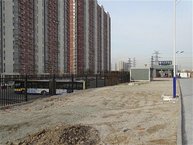 北京市郊外鉄道S2線 S207次 黄土店→延慶(和諧長城号) | 世界バス轉運站