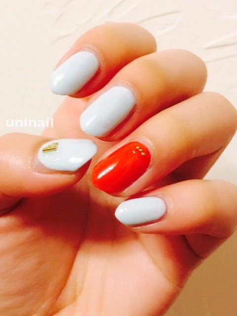 水色×朱赤 さくらんネイル