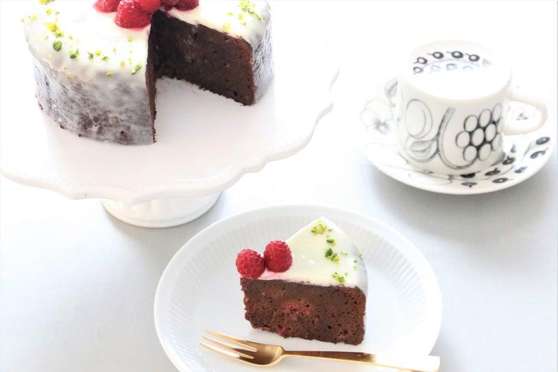 ガトー ホワイト ショコラ チョコ 白いバレンタイン💝ホワイトチョコレートとフランボワーズのガトーショコラ❁レシピ付き