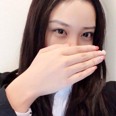 ドラマ『貴族探偵』武井咲さん風ものまねメイクの記事に添付されている画像
