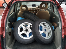 日産 マーチ e-4WD タイヤ