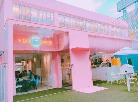 韓国カフェ]ピンクの建物がかわいい「MENON」