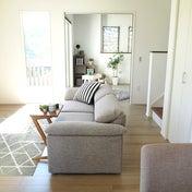日本人はソファがあっても座らない!という理由を解説します キーワードは「座面の広さ」です