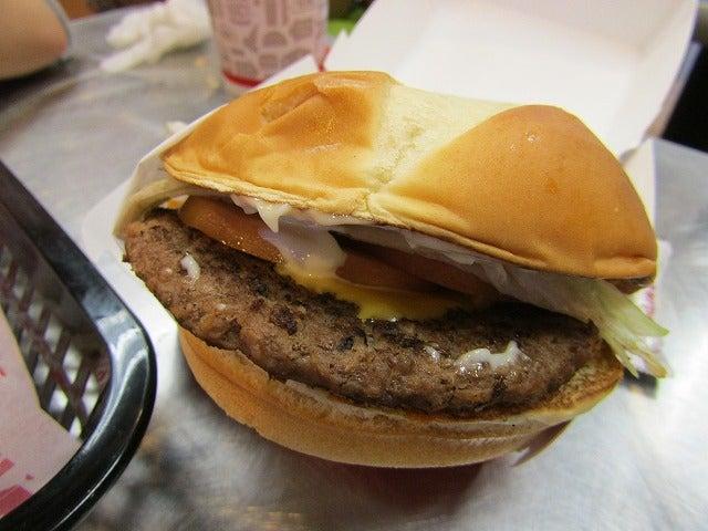 アメリカのハンバーガーチェーン...