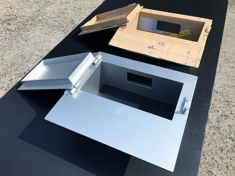 ピザ窯のスチール製の扉と枠を長野県軽井沢へ
