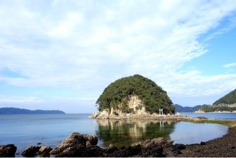 津久見市☆2億年前に触れる島〜網...