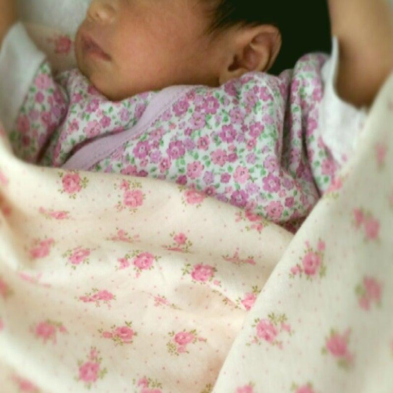 寝 ながら うなる 新生児