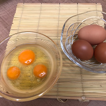 【初卵(はつたまご)…