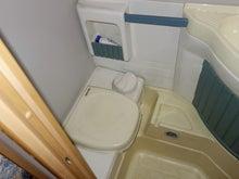 トレーラー マルカンポ ポルト7 トイレ