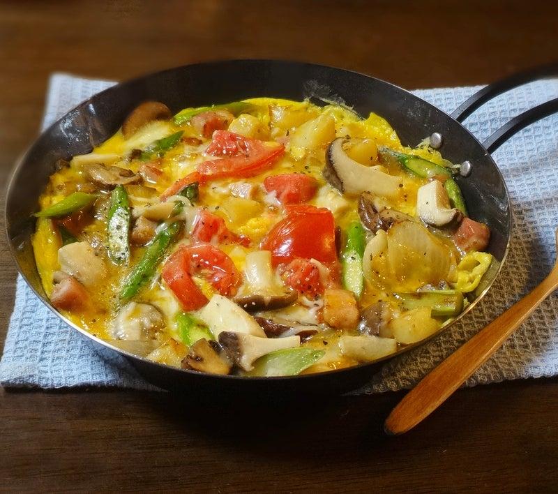 野菜とキノコのチーズオムレツ